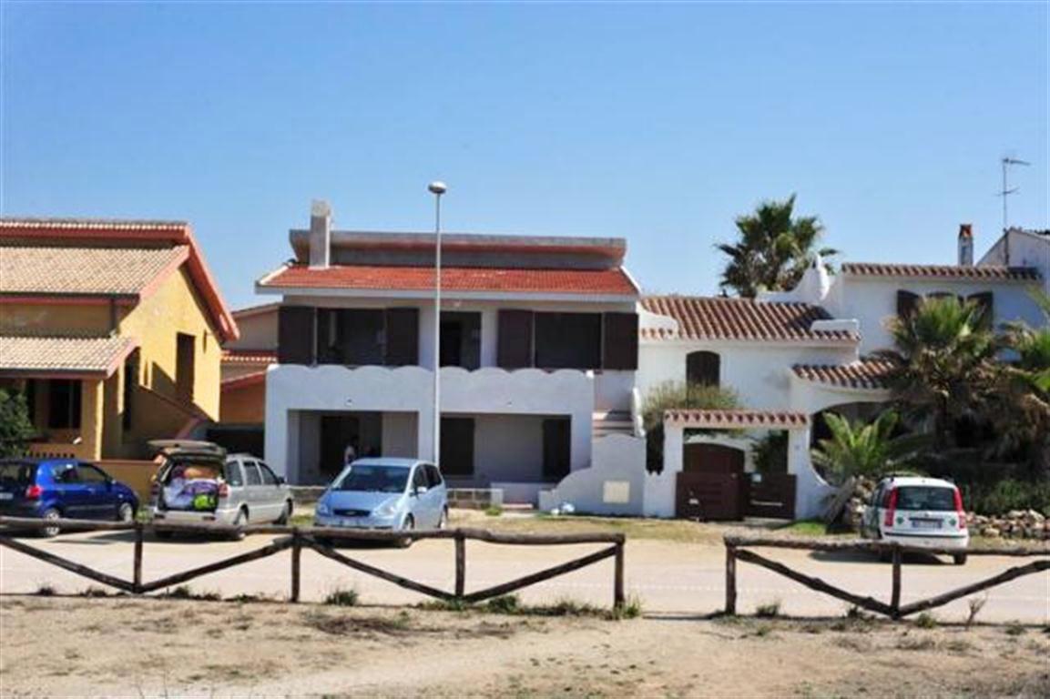 Sardinien ferienhaus casa sa rocca 20 m von strand meer for Haus sardinien