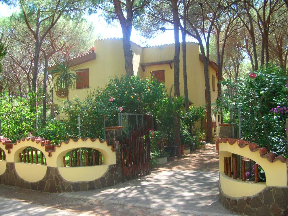Sardinien alleinstehendes ferienhaus casa cinzia bei for Sardinien ferienhaus am strand