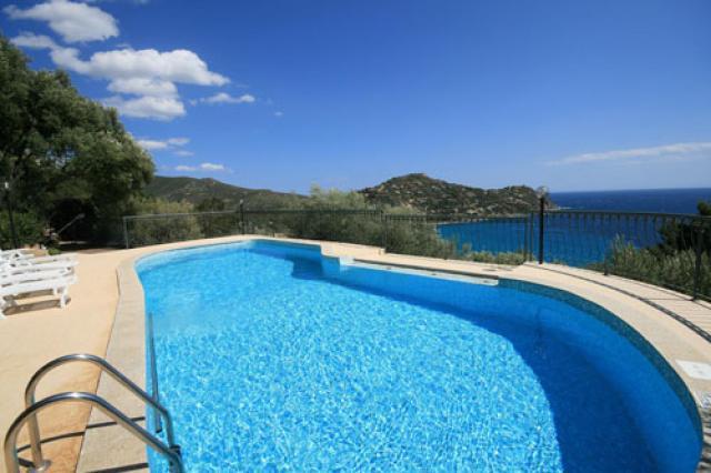 Sardinien alleinstehendes ferienhaus floriana 200 m von for Sardinien ferienhaus am meer