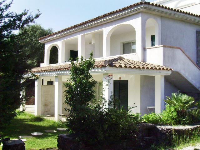 Sardinien ferienhaus am meer casa fuilemare in cala for Haus sardinien