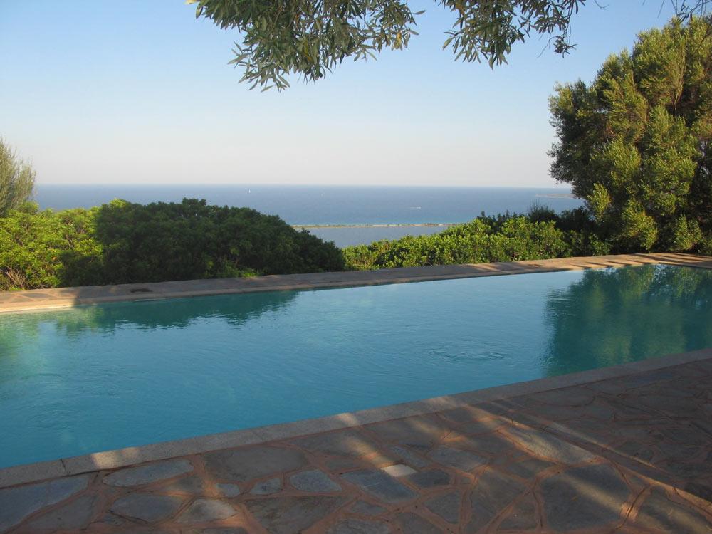 sardinien alleinstehendes ferienhaus mit pool san teodoro villa gunni 2000 m von strand meer. Black Bedroom Furniture Sets. Home Design Ideas