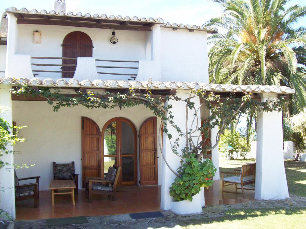 Sardinien alleinstehendes ferienhaus casa luria in for Sardinien ferienhaus am meer