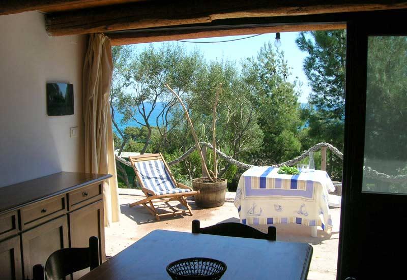 sardinien ferienhaus am meer und strand von privat alleinlage naturpanorama ovile 50 m vom meer. Black Bedroom Furniture Sets. Home Design Ideas