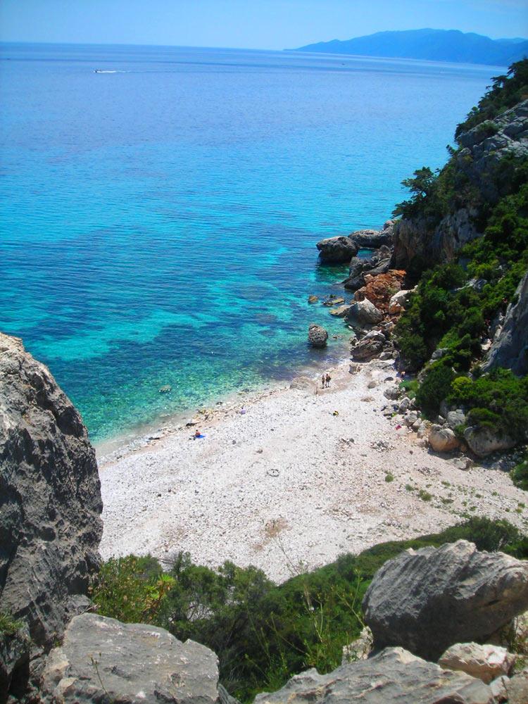 Sardinien ferienhaus am meer und strand von privat cala for Sardinien ferienhaus am strand