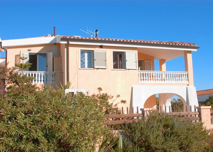 Sardinien ferienhaus am meer und strand von privat casa for Haus sardinien